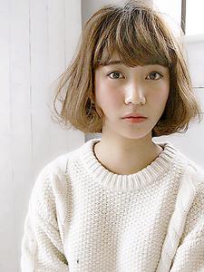 抜け感・リラクシー甘めバング|allys hair aoyamaのヘアスタイル