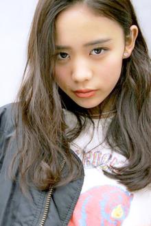黒髪エッジモードロング|allys hair aoyamaのヘアスタイル