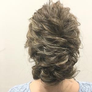 波ウェーブ×タイトロープ カジュアルアレンジ|allys hair shinsaibashi OPAのヘアスタイル