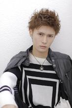 アップバングモヒカン|allys hair shinsaibashi OPAのヘアスタイル