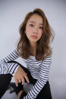 ナチュラルグラマラスウエーブ|allys hair shinsaibashi OPAのヘアスタイル