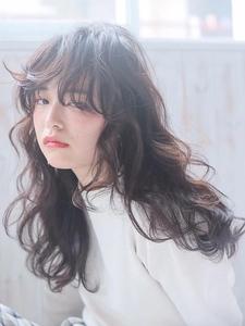 ★暗髪でも透明感あるヘアスタイルに★|allys hair shinsaibashi OPAのヘアスタイル
