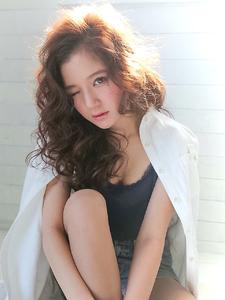 ★無造作にスタイリングできるフェアリーウェーブ★|allys hair shinsaibashi OPAのヘアスタイル
