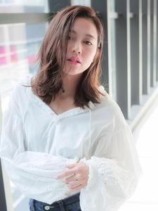 毛先ワンカール外ハネ☆作りすぎなくても素敵な印象を☆ allys hair shinsaibashi OPAのヘアスタイル