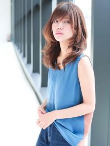 涼風美人のナチュラルワンカールスタイル allys hair shinsaibashi OPAのヘアスタイル