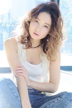 大人かきあげバングくびれミディウェーブ|allys hair shinsaibashi OPAのヘアスタイル