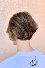 ジェンダーレスショート×ハイライト|ALPHA SALIDAのヘアスタイル