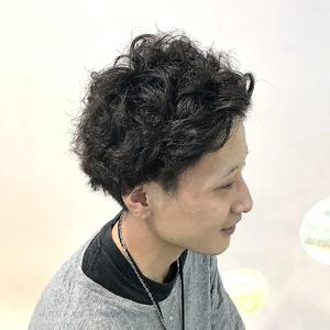 マッシュ×ランダムウェーブ|ALPHA SALIDAのヘアスタイル