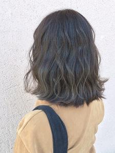 グレージュロブ|ALPHA SALIDAのヘアスタイル