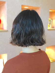 外ハネ切りっぱなしボブ|ALPHA SALIDAのヘアスタイル