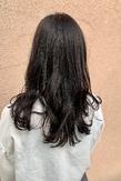 暗髪×スモークグレー