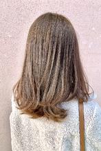 大人カワイイレイヤーロブ×ミルキーベージュ|ALPHA SALIDAのヘアスタイル