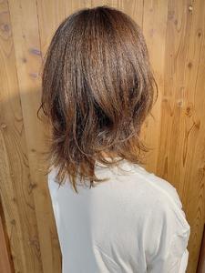 大人可愛い ミディアムレイヤー|ALPHA SALIDAのヘアスタイル