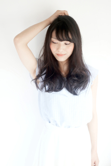 ツヤ髪&厚め前髪でレトロ可愛いロングに☆|hair lounge an rioのヘアスタイル