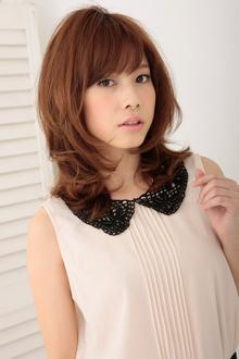 ミックスカールが織りなすしなやかで大人可愛いニュアンスヘア|apish ginZaのヘアスタイル