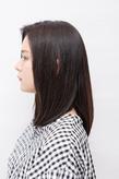 黒髪の美しさを際立たせるナチュラルなツヤ感と前髪の毛流れが魅力