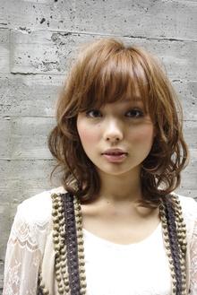 心くすぐるふんわりカール☆|apish AOYAMAのヘアスタイル