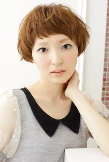 キュートなマッシュヘアはしっとりカラーで大人可愛く☆|apish AOYAMAのヘアスタイル