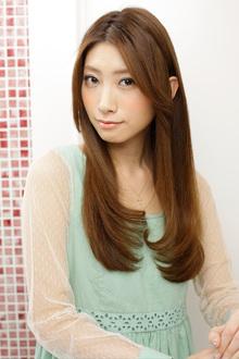 スリークな髪質を実現した大人可愛いなめらかなヘルシーケア|apish AOYAMAのヘアスタイル