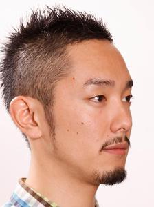 顔型バランスを意識した男のボウズ★|ARC+のヘアスタイル