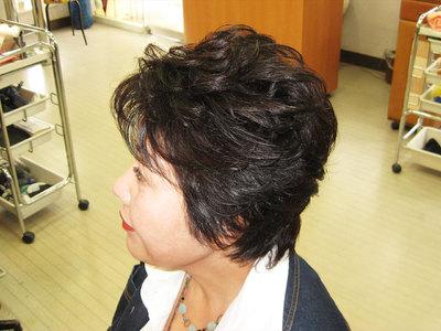 トップボリュームのふんわりショート|エル美容室のヘアスタイル