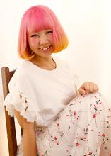 ポップな派手カラー|B2C梅田のヘアスタイル