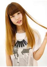 ハイトーンカラーの髪、でも癖毛を何とかしたい方に!|B2C梅田のヘアスタイル