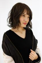 トレンドの外国人風ハイライトカラー|B2C梅田のヘアスタイル