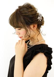 波ウェーブで大人かわいいねじり編み込み|B2C梅田のヘアスタイル