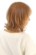 オレンジベージュのレイヤーボブ|B2C梅田のヘアスタイル