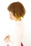 黄緑のオシャレなインナーカラー