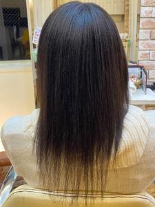 かなり強く、髪も細い癖毛の縮毛矯正|B2C梅田のヘアスタイル