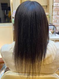 かなり強く、髪も細い癖毛の縮毛矯正