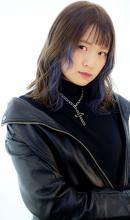 ちら見えが可愛いインナーカラー B2C梅田のヘアスタイル