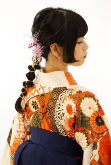 姫カットを生かした編みおろしアレンジ|B2C梅田のヘアスタイル