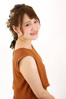 セミディの長さも可愛く編みおろしアレンジ☆|Raffine 三宮のヘアスタイル