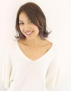 ピンクバイオレットインナーカラー|Raffine 三宮のヘアスタイル