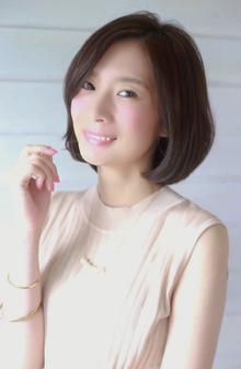大人コンサバ 美シルエット レイヤーボブ|BiBi のヘアスタイル