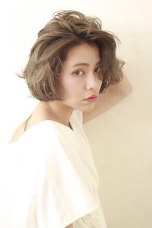 かきあげショートボブ|BiBi のヘアスタイル