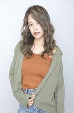【秋トレンド】ルーズな大人カジュアル|BiBi のヘアスタイル