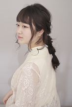 編みおろしロングアレンジ|BiBi のヘアスタイル