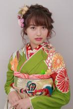 丸編み込みアレンジ|BiBi のヘアスタイル