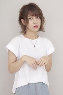 小顔効果♡動きのある夏のレイヤースタイル|BiBi のヘアスタイル