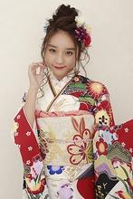 【成人式】ゆるふわお団子アップ|BiBi のヘアスタイル