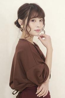 三つ編みスカーフアレンジ|BiBi のヘアスタイル