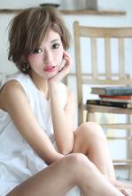 ラフな束感ショート|Blume COSTA 石澤 絢子のヘアスタイル