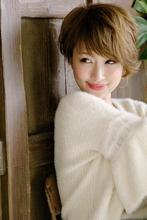 柔らかさとルーズなショートスタイル|Blume COSTA 石澤 絢子のヘアスタイル
