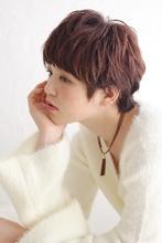 柔らかくせ毛風ジェンダーレスショート|Blume COSTA 柴田梨那のヘアスタイル