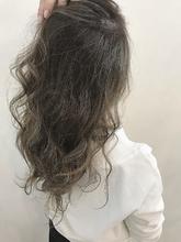 イルミナ 外国人アッシュ|Blume COSTAのヘアスタイル