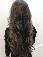イルミナ サファリアッシュ|Blume COSTAのヘアスタイル